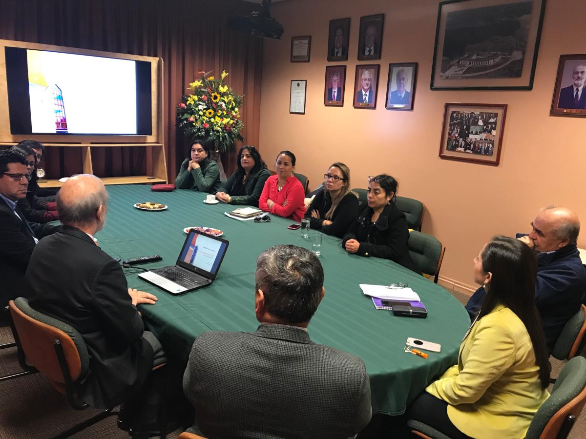 Fundación Educacional Kronos y Nirvana realizaron visita a las dependencias del CEAT 2
